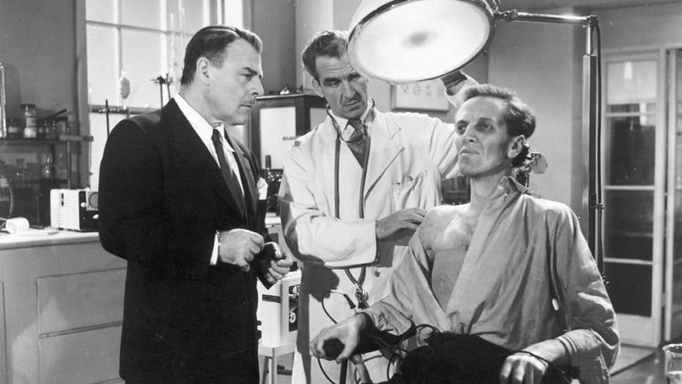 Quatermass and Briscoe inspect Carroon