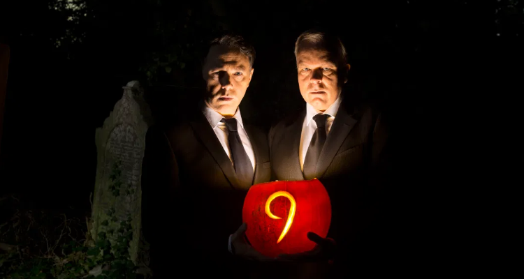 Shearsmith and Pemberton holding a jack'olantern for the Halloween special episode of Inside No. 9, Dead Line